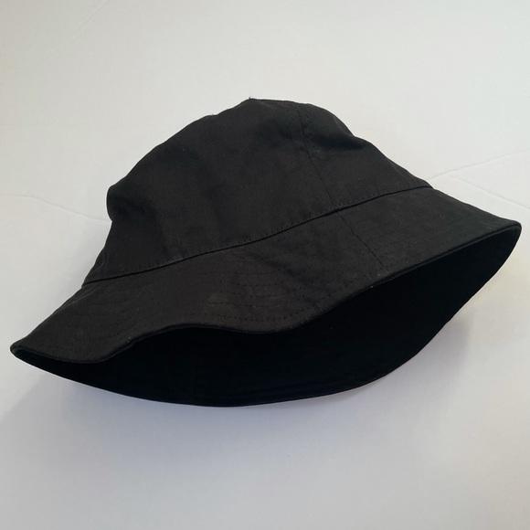 Large Bucket Hat Black